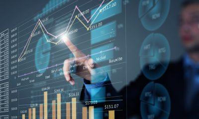 finance analysis finger